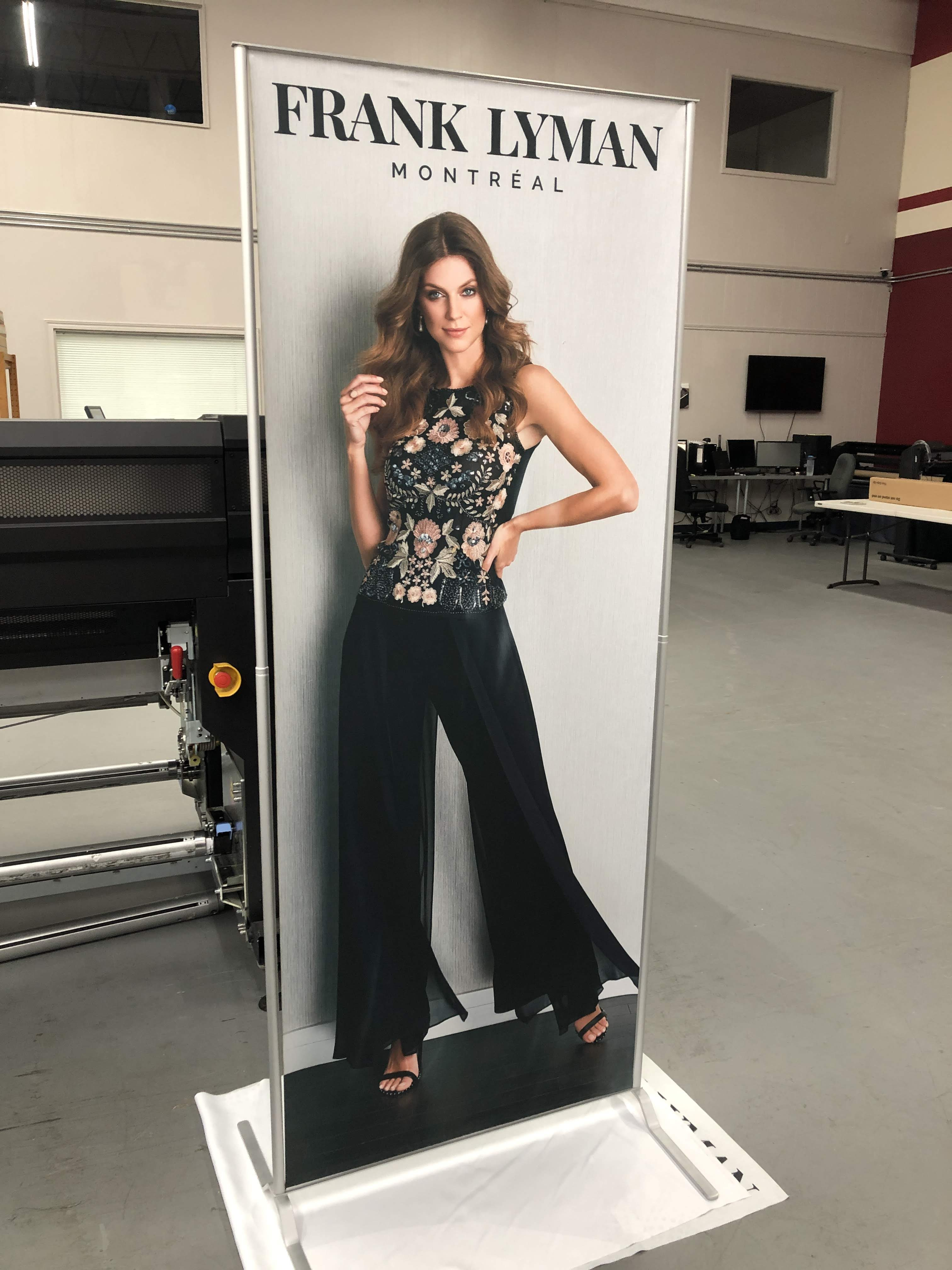 POMA magnet stand fabric printed