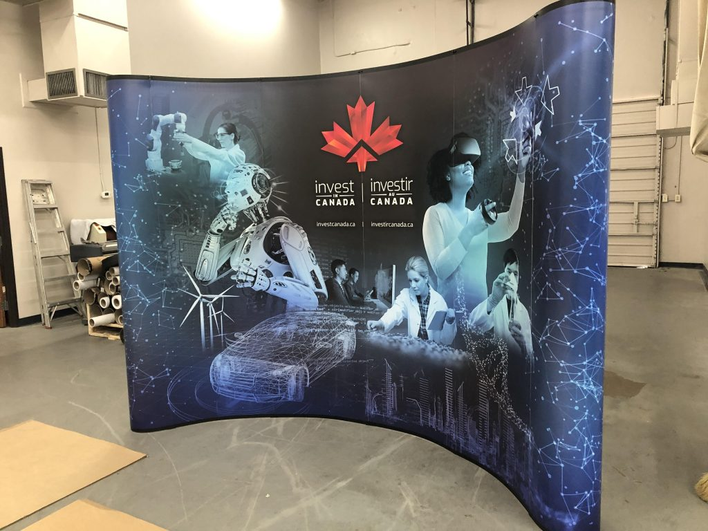 Trade show curved display